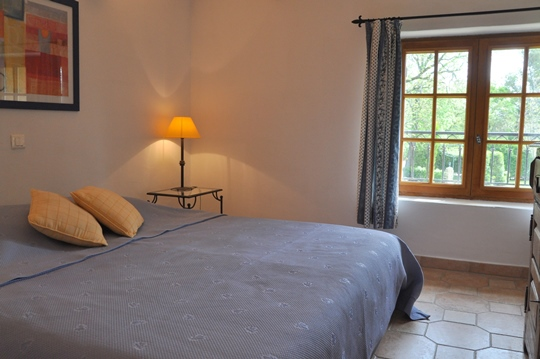 Moulin de la Roque, Noves, Provence, villa Bergerie, room - single beds or double king size bed