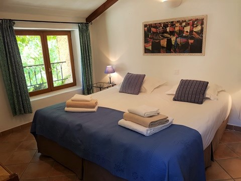 Moulin de la Roque, Noves, Provence - villa Tuilerie - bedroom