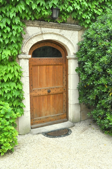 Moulin de la Roque, Noves, Provence, villa Tuilerie, entrance